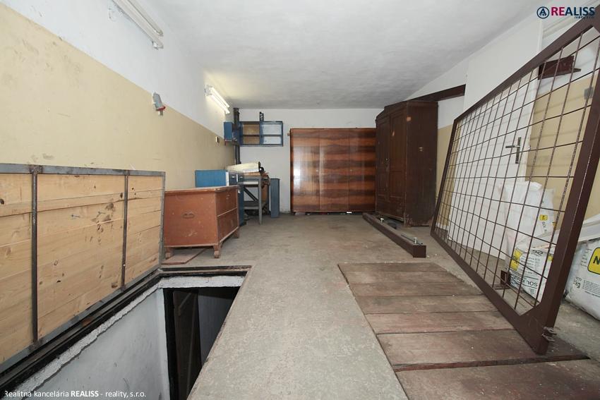 garaz-5aprila-bt1.jpg