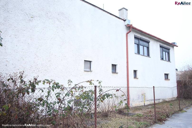 dom-malechlievany-bc2.jpg