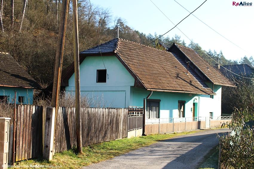 dom-uhrovec-az1.jpg