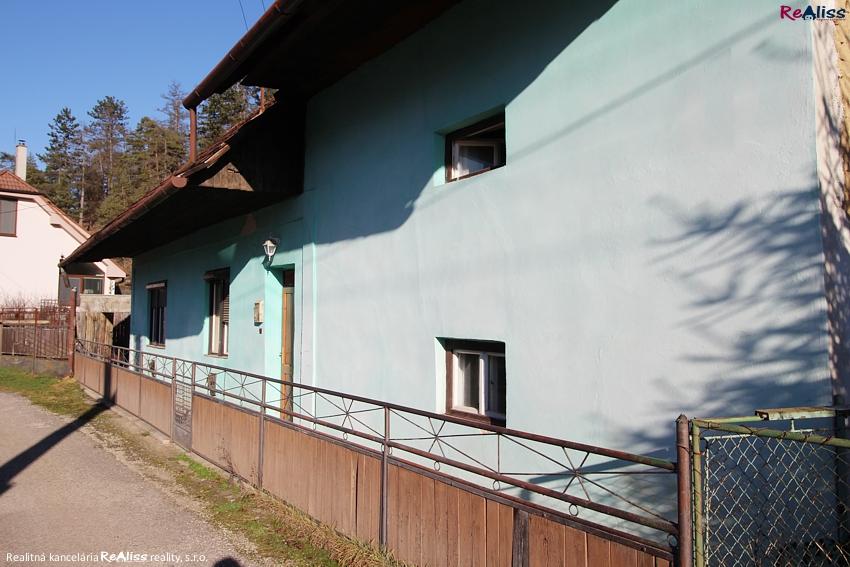 dom-uhrovec-az3.jpg